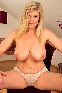 Marina Rene